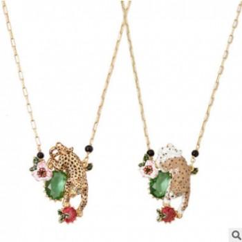 新款镀金手绘珐琅釉粉色花朵个性宝石镂空金钱豹滴釉首饰项饰项链