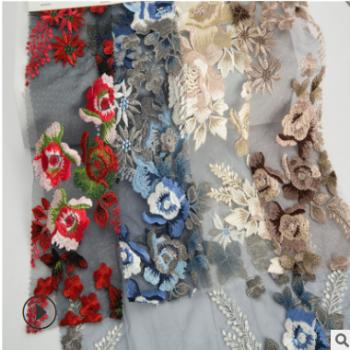 厂家现货供应新款花朵订珠绣花布 礼服婚纱手工绣花面料批发