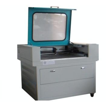供应全自动 半自动激光剪裁机 热风缝口密封机