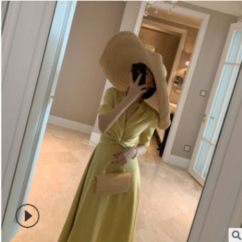 2019夏季新款气质复古法式v领缎面长裙短袖高腰气质扭结连衣裙