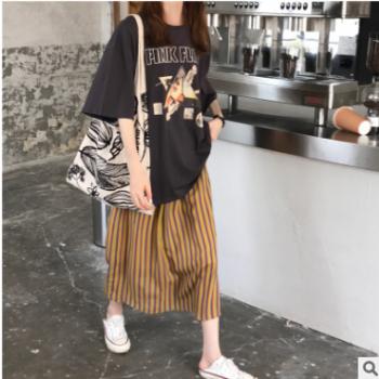 实拍2019新款chic休闲宽松百搭短袖印花T恤+条纹半身裙