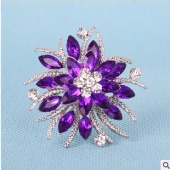 欧美新款花朵水钻胸针女 时尚服装配饰 西装礼服别针批发