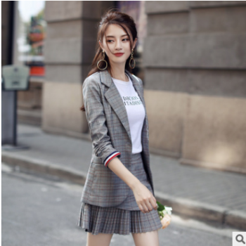 2019春装新款女装西服套装格子韩版时尚休闲小西装外套小香风春季