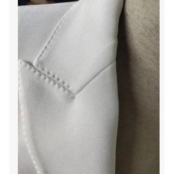 时尚男士纯白双排二扣枪驳领男西服