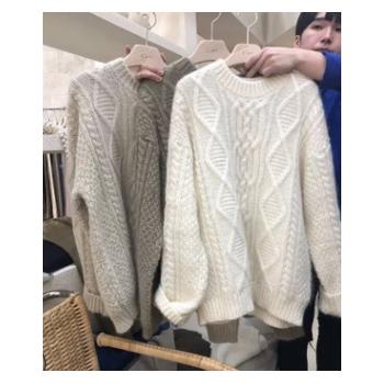 高品质 韩国lart新款宽松气质圆领套头麻花针织毛衣KT076