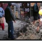 国外疫情期间,印度的电线杆崩溃了,印度人忘记给电线杆开挂了 (145播放)
