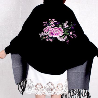 定制批发女士双面披肩刺绣图案长款带袖披肩仿羊绒围巾斗篷外套
