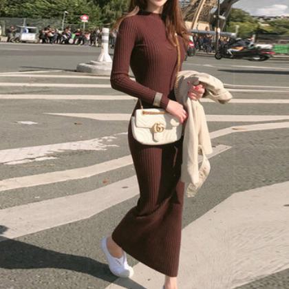 2020秋冬修身显瘦收腰打底针织连衣裙加厚套头毛衣女超长款毛衣裙