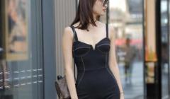 连体裤流行修身,是强调小蛮腰的最佳服装,有时尚潮流范