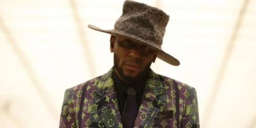 这一次,Virgil Abloh 把服装发布变成了一场先锋戏剧