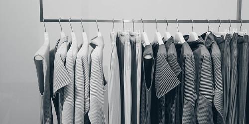 创业板指午后跌1.2% 纺织服装板块领涨