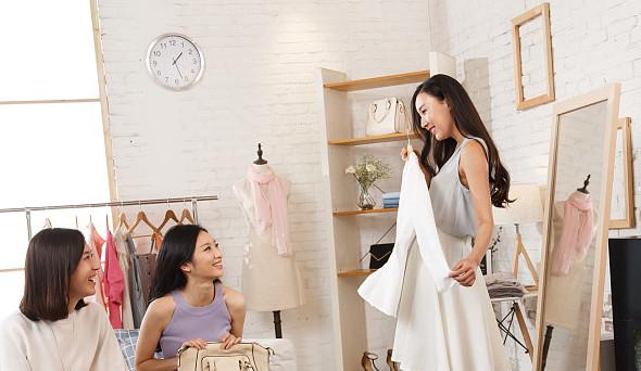 5213我爱衣衫加盟怎么样:质优价廉赢得前景市场