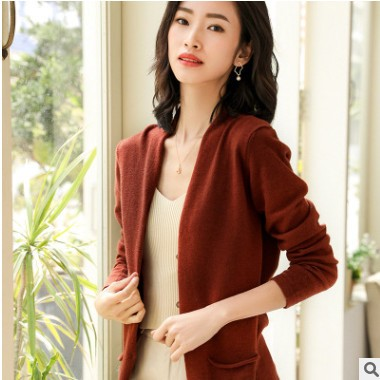 羊毛2021春季女装新款针织开衫v领纯色修身宽松带兜短款毛衣外套