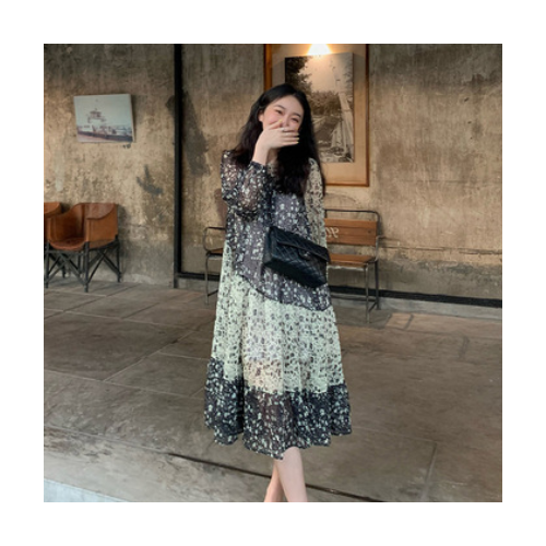 网红系列法式碎花连衣裙女设计感时尚初春2021新款气质长裙女装潮
